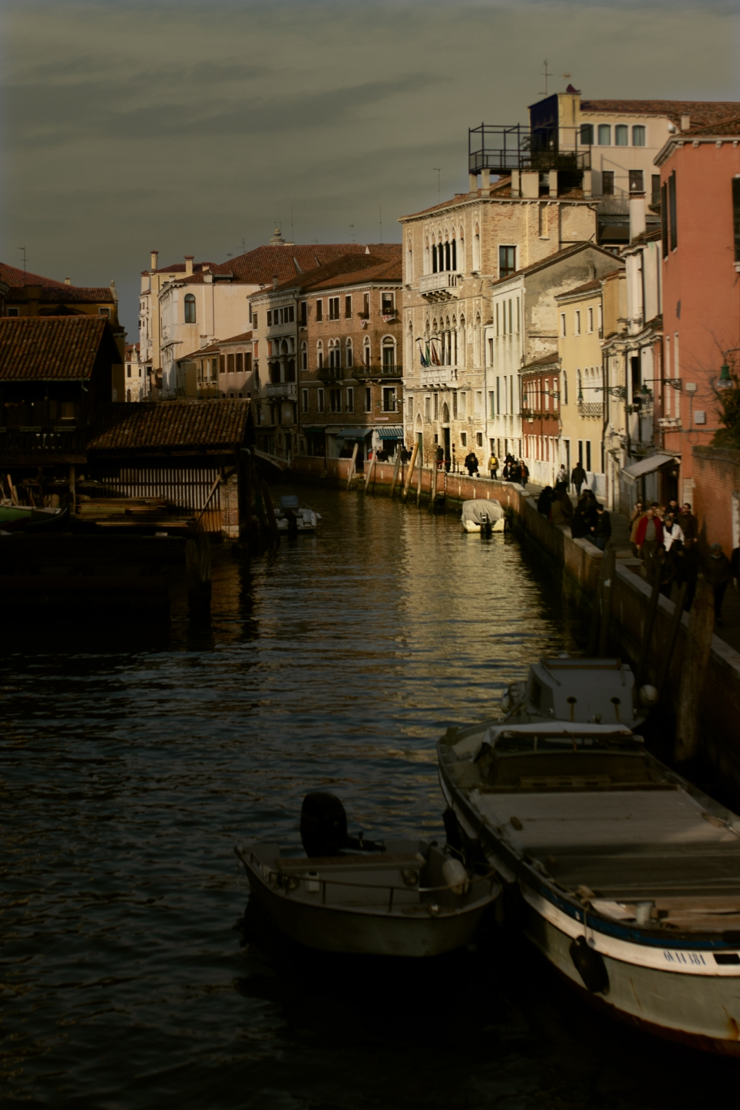 venedig schiff kleiner Kanal
